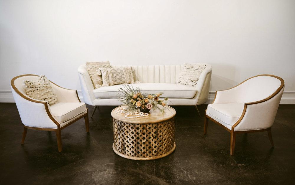 Della Lounge G2.jpg