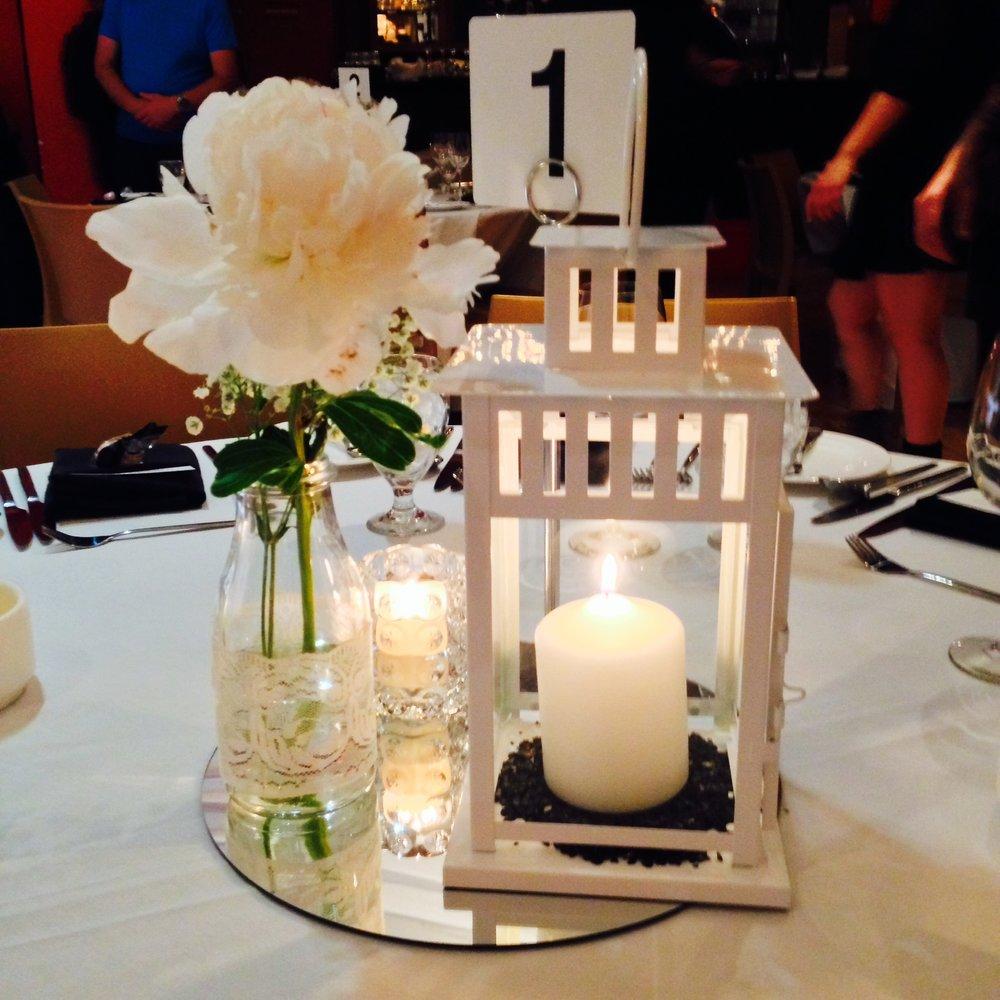 gladstone-hotel-wedding-decorations-decor-head-table-backdrop-ballroom-mapleleaf-decorations.jpg