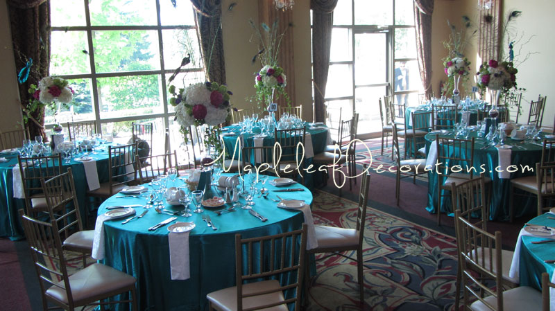 10-guest-table-linens-centerpieces-royal_Ambassador_may202012_teresa_mike.jpg