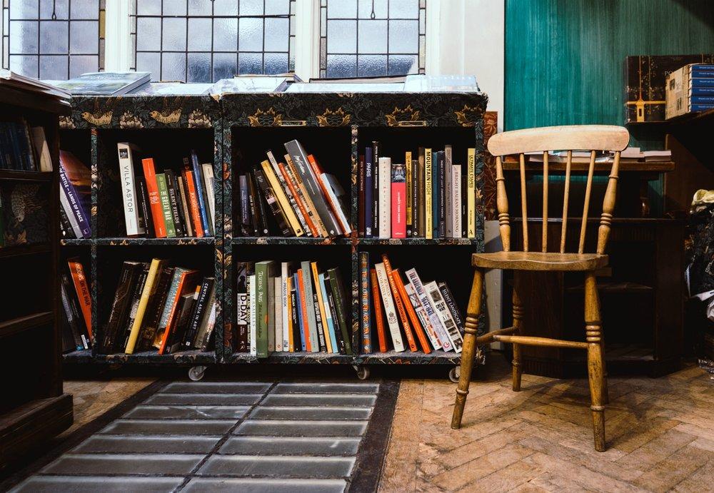 bookshelf-chair.jpg
