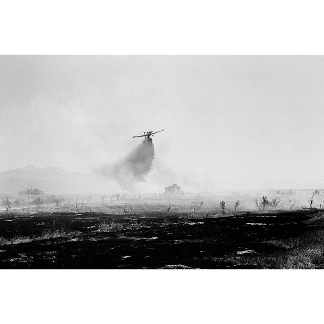 BLM and Evergreen Flying Services coordinate to put out a small brush fire in Nevada | Canon AE-1 | Kodak Tri-X 400 #35mm #film #kodak #trix #canon #ae1 #filmisnotdead #believeinfilm #filmphotography #documentary #wildfire #blackandwhitephotography