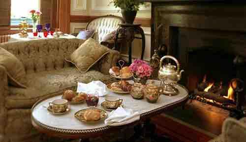tea service lady mendls