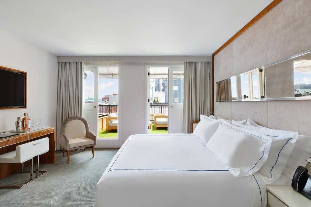 """""""Very clean, staff was down to earth and professional, most comfortable bed ever"""" - Tony, U.S. - Booking.com"""