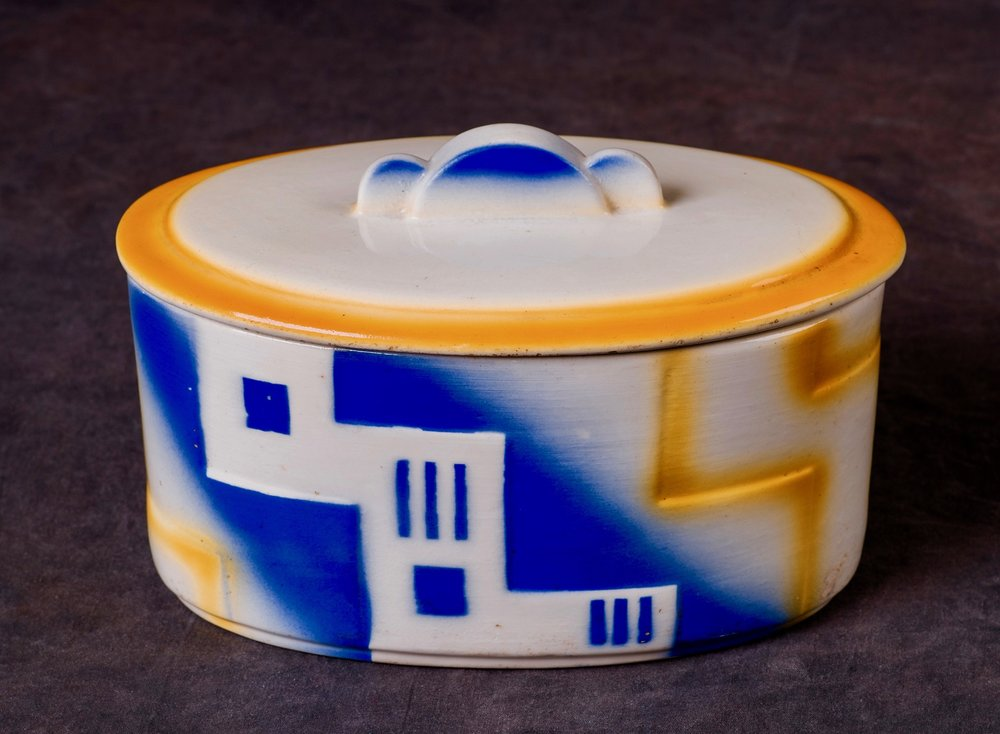 #9 Container, form 1, dec.4355, Colditz, ca.1931. Blind 4355; 1.8 cm H, 17.8 cm L, 11.5 cm W. RM 73