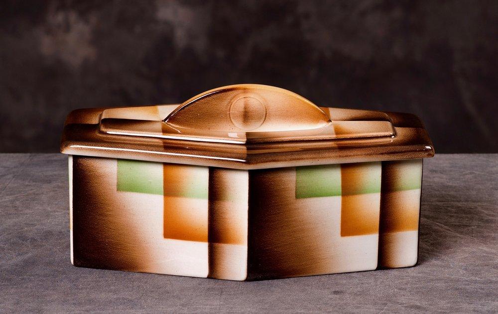 #15 Container, form 283, Carstens – Elmshorn, ca.1930. Blind 283; 7.8 cm H, 23.3 cm L, 15.4 cm W. RM2528