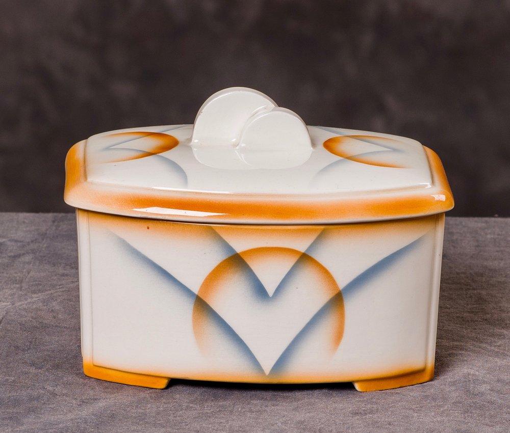 "#17 Container, form 6521, service 155 ""Köln"", Roesler – Darmstadt. Form possibly designed by Wolfgang Kreidel or Adolf Behrmann, ca.1934. Black mfr.; Blind 6521; 7.1 cm H, 14.6 cm L, 11.5 cm W. RM1525"