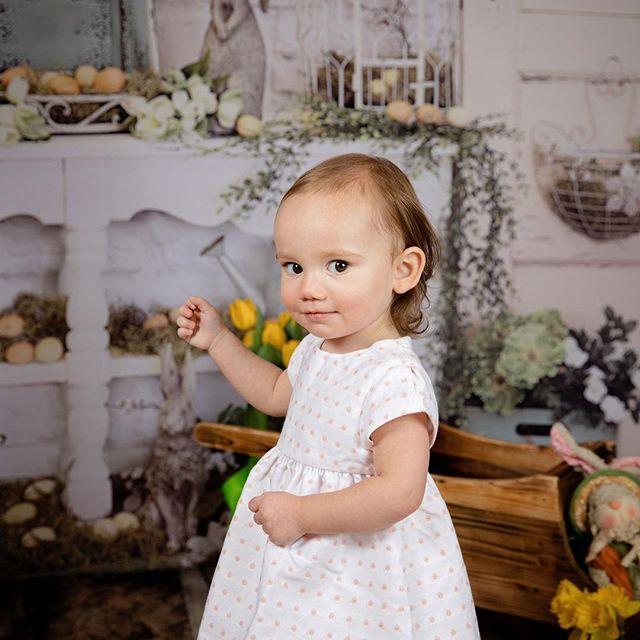 💕💗💕 * * * * 📷: @luzphotographybypaula * * * #spring #easter #passover #babies #babiesofinstagram #toddler #toddlerfashion #singlemom #yoga #breastfeeding #babyledweaning #prenatalyoga