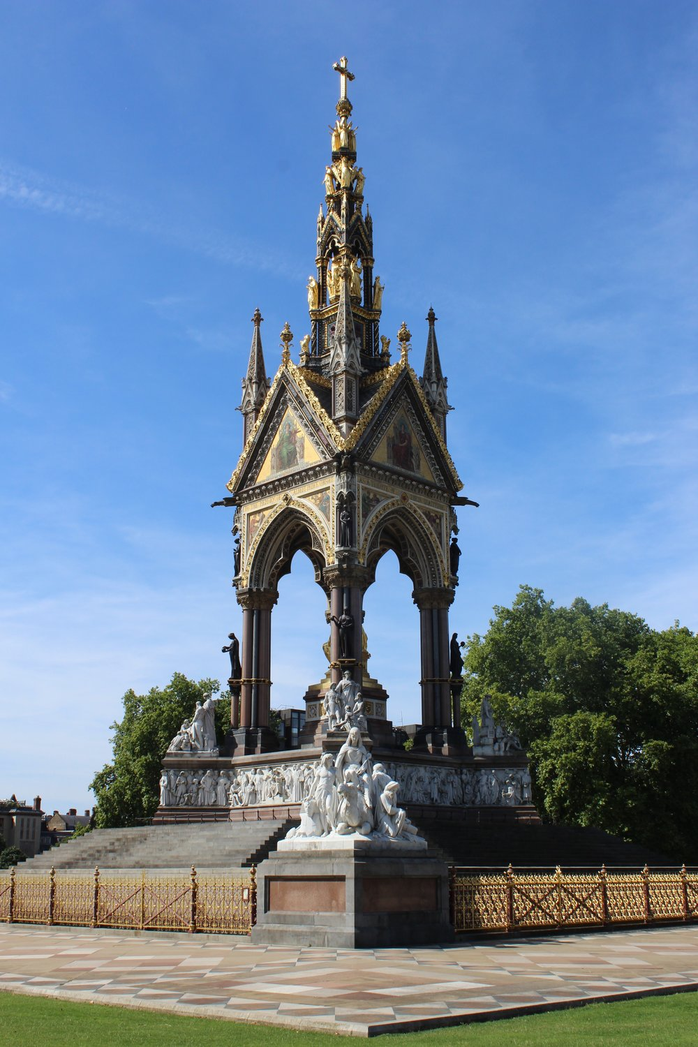 London Guide Albert Memorial (2).JPG