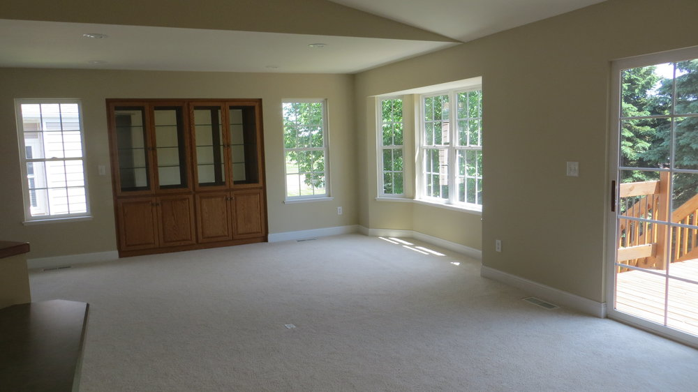 Living-Room-with-Golf-Course-Views.jpg