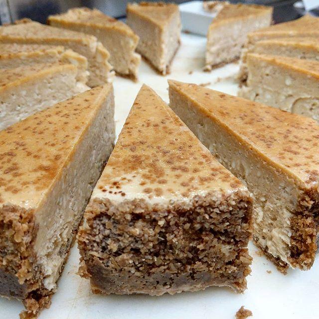 #tiramisu #cheesecake #nomnom #yummy #yumyum #homemade #eatfresh #eatlocal #local #fresh #freshisbest #beechies #dessert #instayum #instagood #instafood #food #getinmybelly