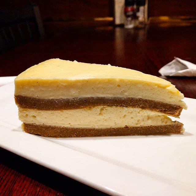 "Ginger ""snap"" cheesecake with #homemade #gingersnaps #cake #layered with #vanilla #cheesecake #nomnom #tistheseason #winter #yummy #yumyum #getinmybelly #beechies #dessert #instagood #instayum #instafood"
