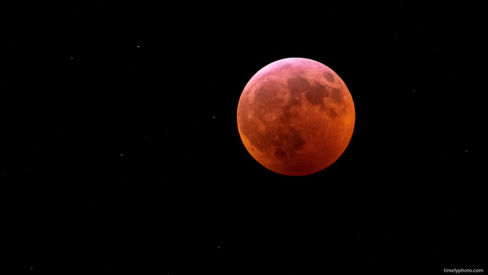Blood moon eclipse. First time capturing this type of event.  Fujifilm X-T3 | 0.4 sec | f/4.8 at ISO 2500 | 200mm