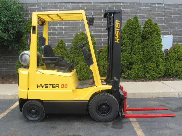 Hyster H30XM - Forklift 3,000 lbs