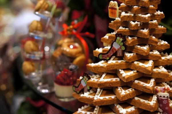 Mandarin Orchard - Christmas 2013 - Gingerbread Tree