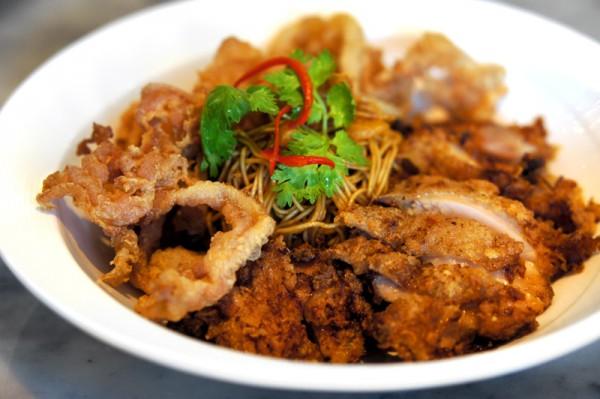 Ujong Raffles Hotel - Chef Shen Tan The Wok & Barrel - Prawn Flavoured Noodles (Har Zi Meen)