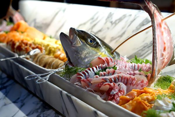 Colony at The Ritz-Carlton Millenia Singapore - Sashimi Sushi Section