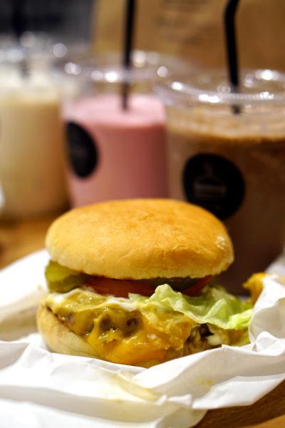 Burger Joint Singapore - Cheeseburger