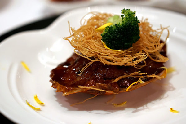 hairy-crabs-at-shang-palace-shangri-la-hotel-singapore-pan-fried-hairy-crab-meat-stuffed-shell-with-shrimp-paste-pork