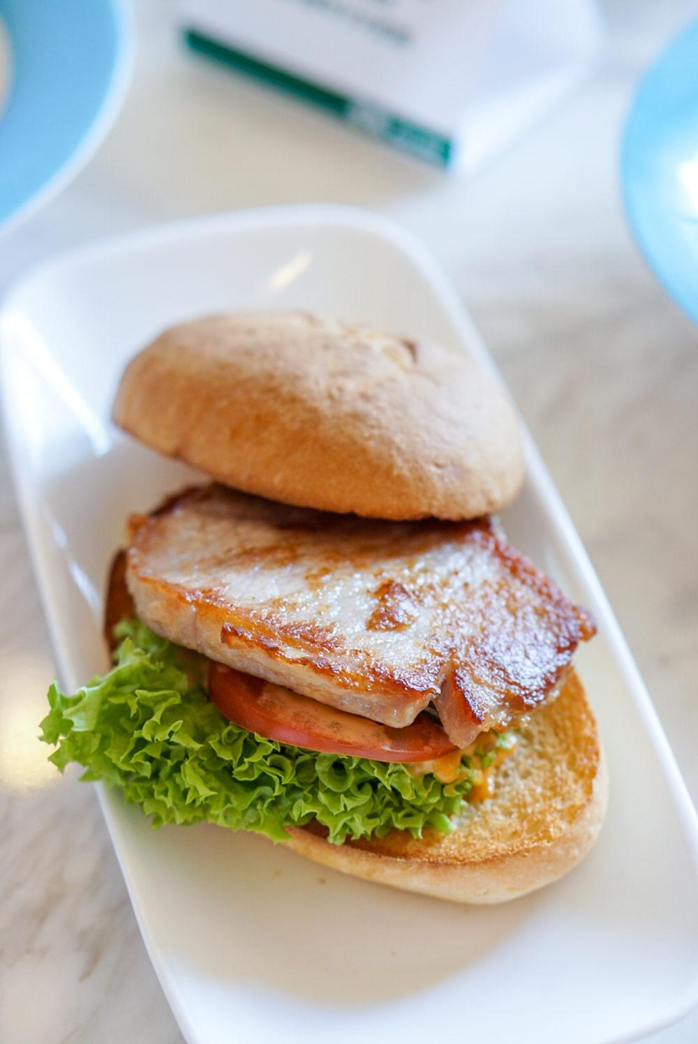 Tsui Wah Singapore Opens at Clark Quay - Tsui Wah Signature Pork Chop Bun