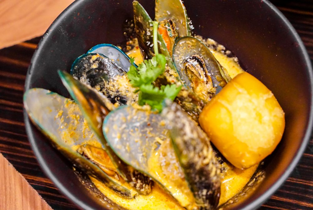 Porta X Ah Hua Kelong, Marine Treasures Menu - Green Lip Mussels with Red Curry, Coconut, Lime
