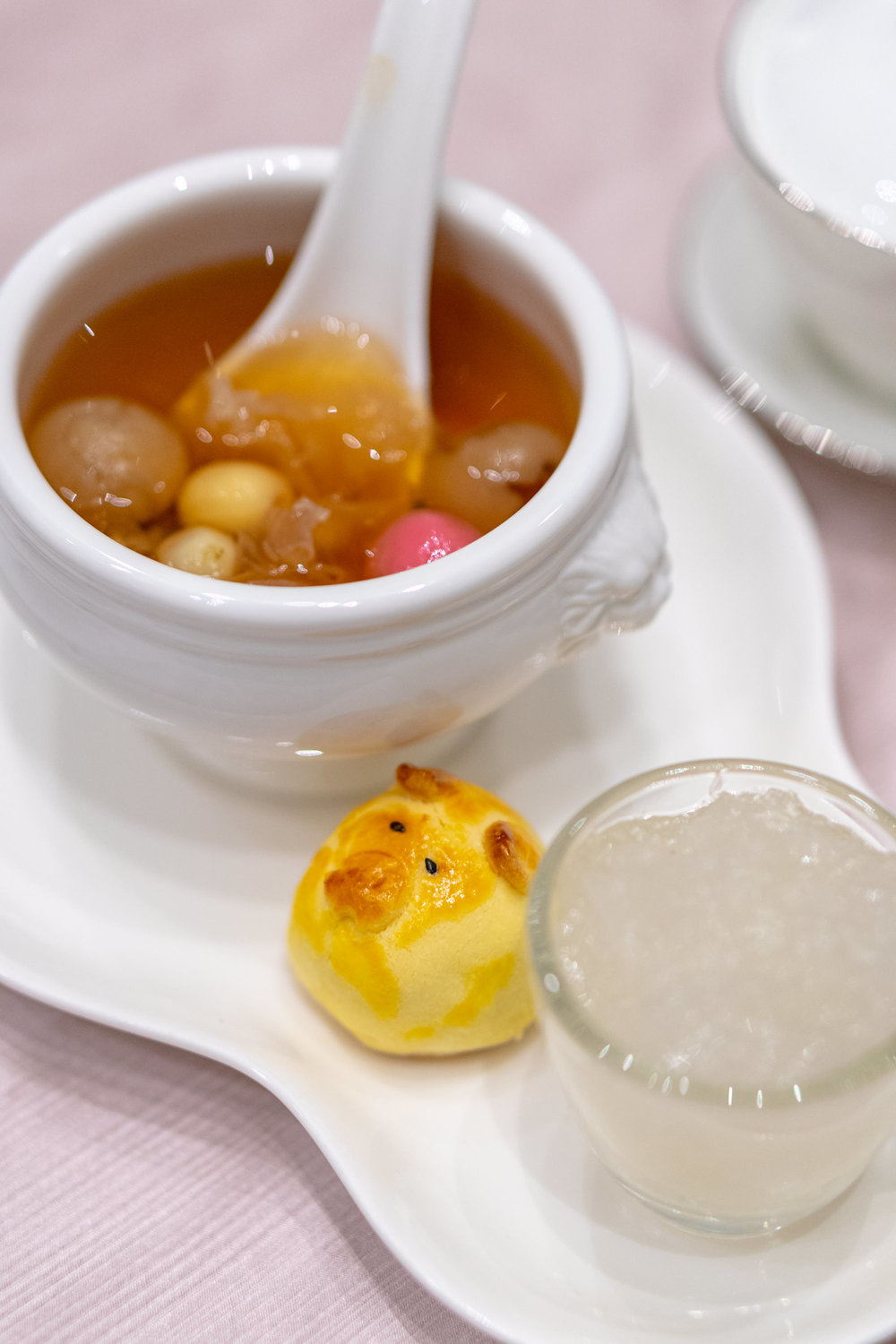 "Baked Golden Pineapple Piglets 金猪黄梨酥, and Hot Eight Treasures Soup with ""Tang Yuan"" and Bird's Nest 十方八宝加官进爵 – 八宝甜汤圆配燕窝"