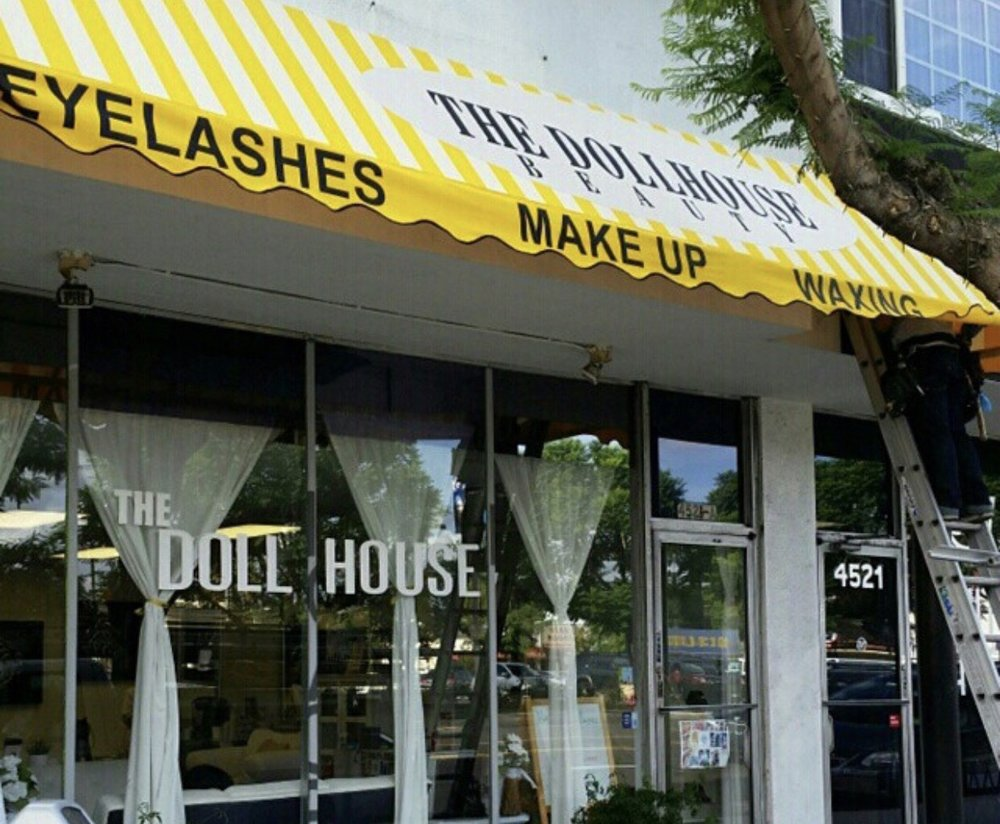 """The Dollhouse Beauty - """"A personal experience that is exclusively for the everyday girl looking for red carpet treatment, even if it was just for a ladies night out in LA."""""""