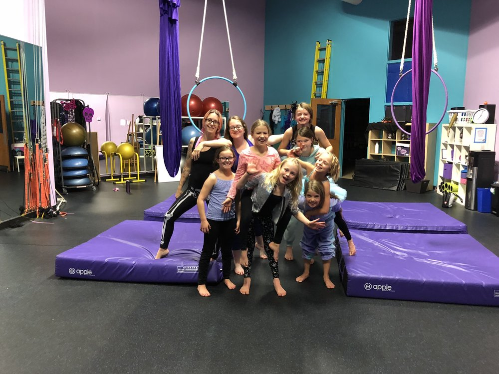 Cirque Kids Group Photo.jpg
