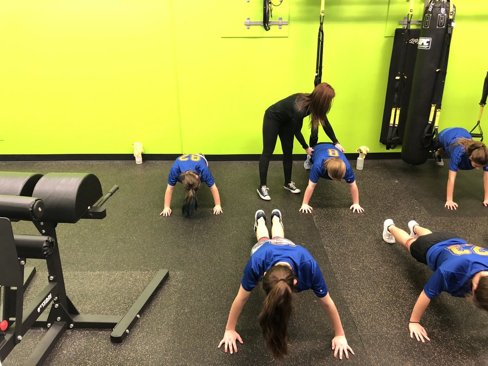 trufit-kettlebell-personal-group-training-sports-performance-gym-valparaiso-workout-fitness-team-assist.jpg