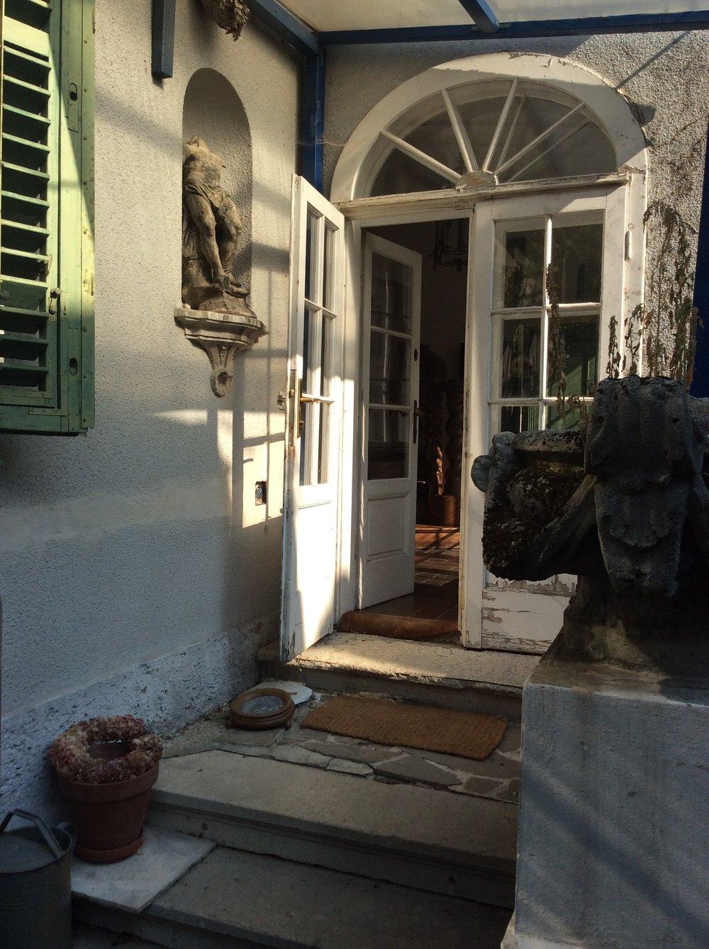 La porte de la maison de Djore, Grinzing, Vienne (2016)