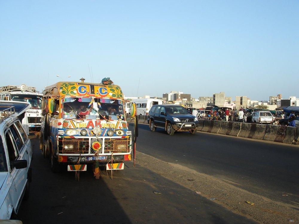 Une rue à Dakar, photo Amélie Doyon (2006)