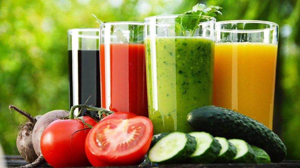 fresh-juice-smoothies-cleanses-detox.jpg
