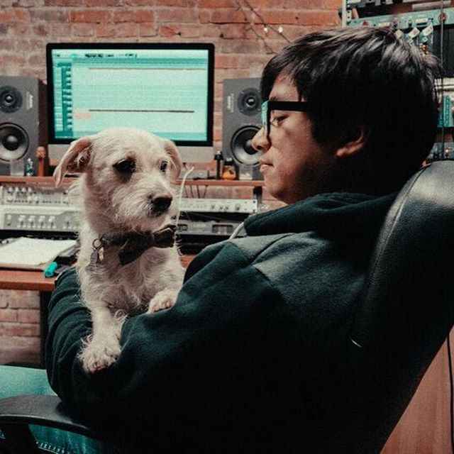 Last day of recording. 😭Finishing up a few things and drinking pumpkin spice lattes. 📸: @walk.into.the.light #marketstreetstudios #musicproducerlife #jesselawson #studiodogs