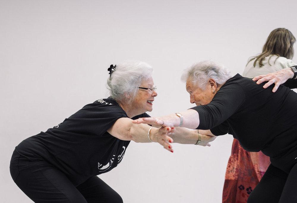 Dansles voor senioren van  Dance Connects  in Amsterdam. Fotograaf: Kim Doeleman
