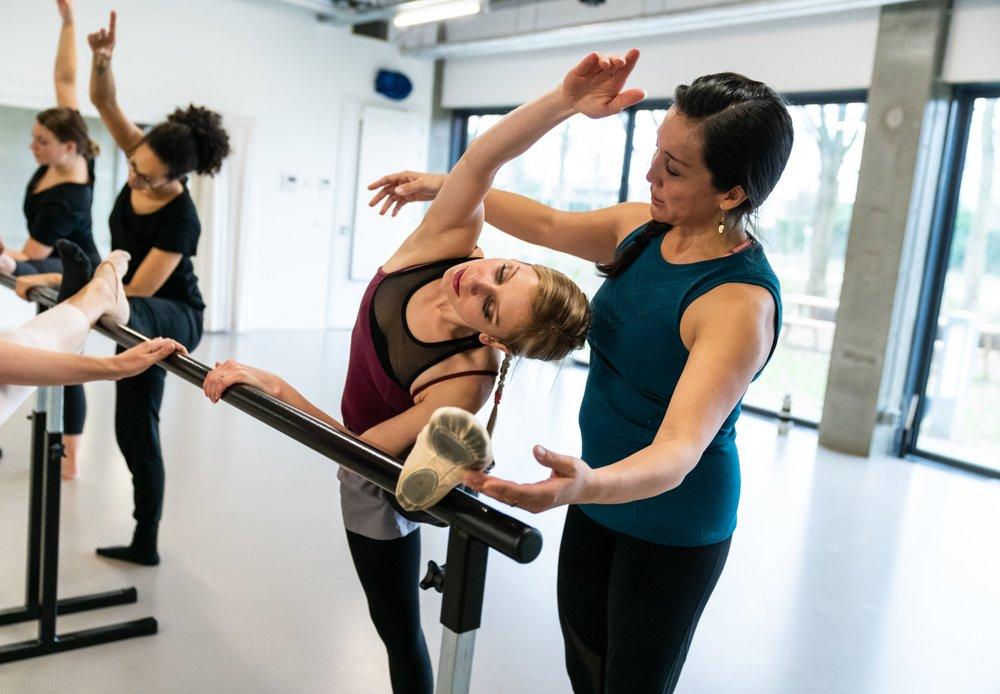 Balletles van Patricia Velasquez. Fotograaf: Sjoerd Derine. © Foto is eigendom van Dansdocent.nu