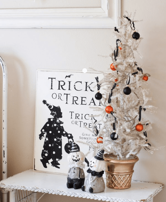 Small Halloween Tree
