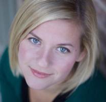 Kelly-Wilson-headshot-StagedToSellDesign-scottsdale-az.jpg
