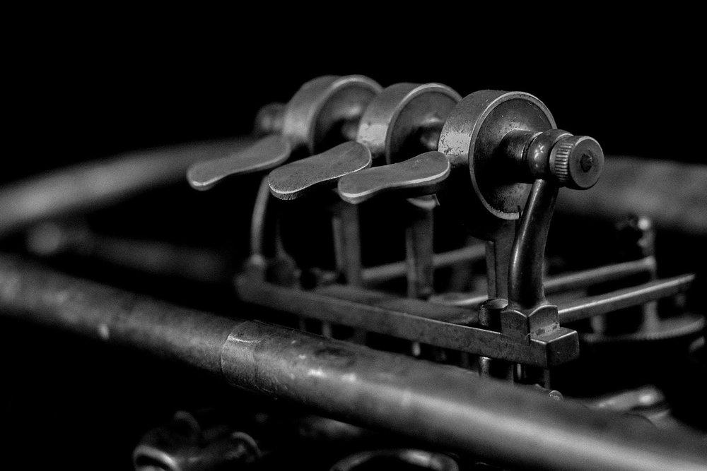 antique-close-up-equipment-164813.jpg