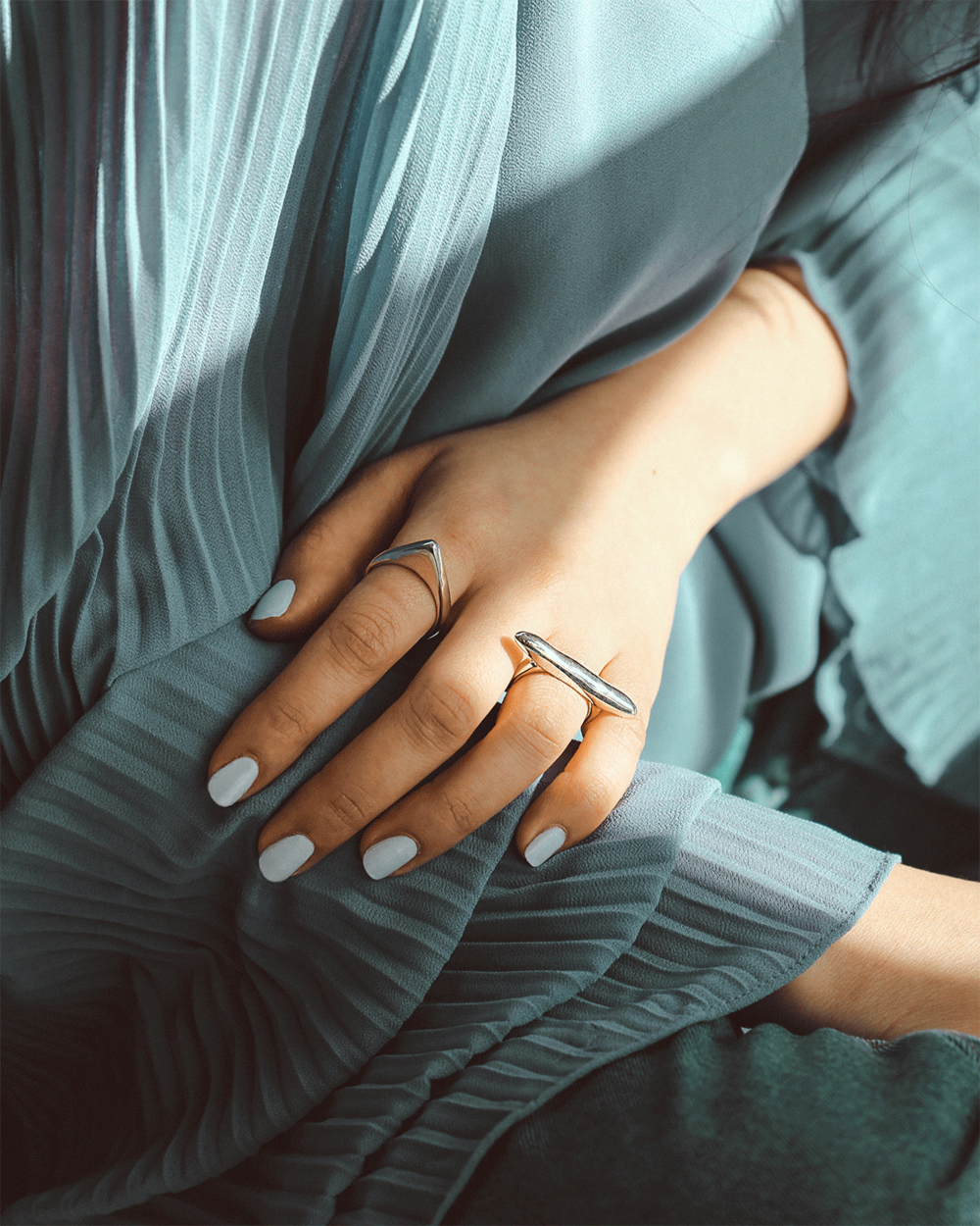 InArms__0014_Lauren_Ring_4_0000_Aimee_Ring_6.png