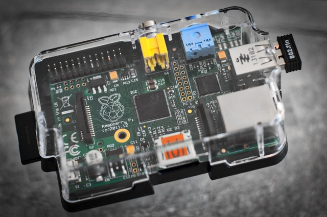 raspberry-pi-computer-linux-163073.jpeg