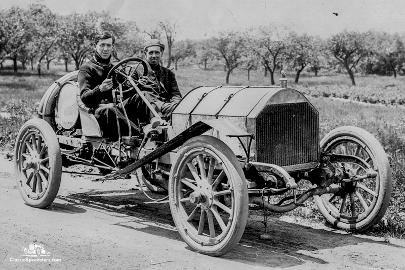 1908 Knox Model R courtesy John Hess collection.