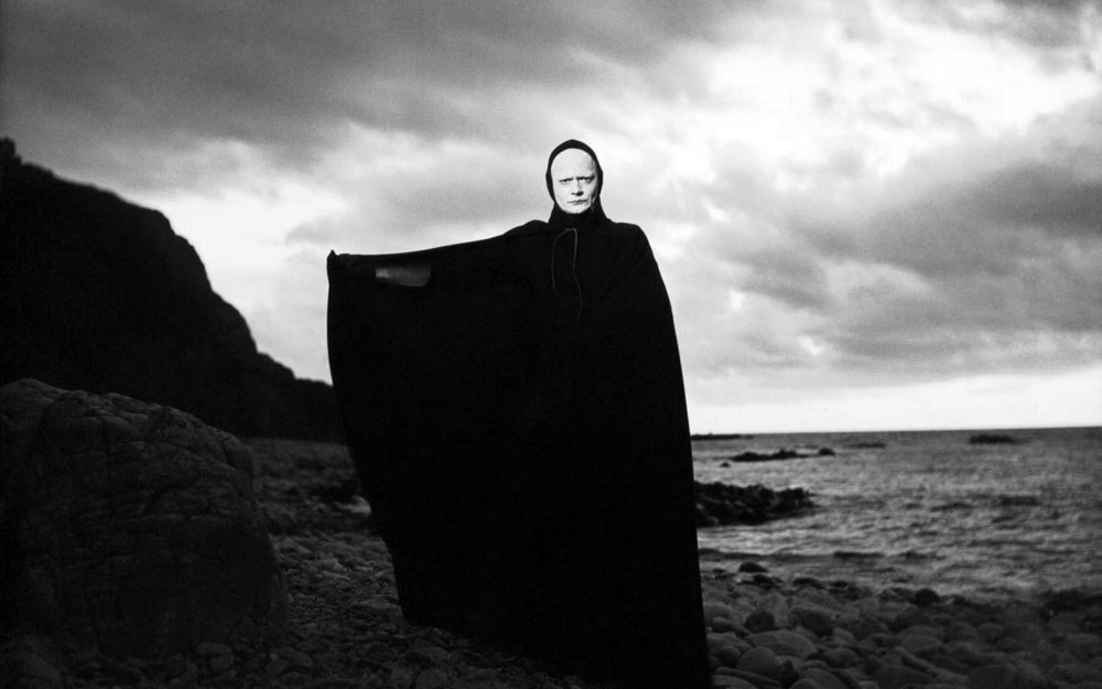 The Seventh Seal  ( Det sjunde inseglet ) A still from the film by Ingmar Bergman (1957) (Svensk Filmindustri/Janus Films)
