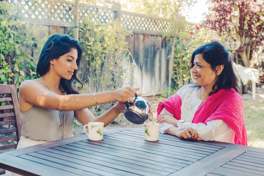 18-06-24-akansha sarika chai 3.jpg