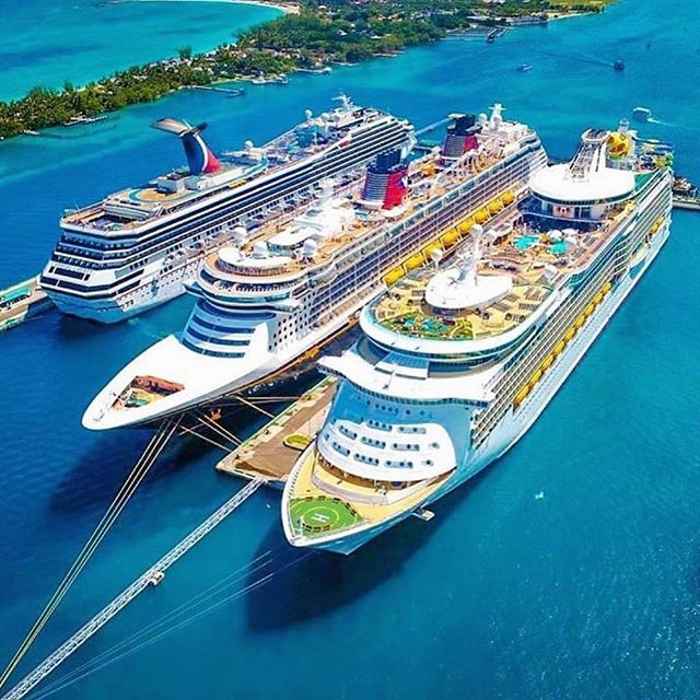 Which one are you choosing? The #CarnivalLiberty, #DisneyDream, and #MarineroftheSeas docked in #Nassau!