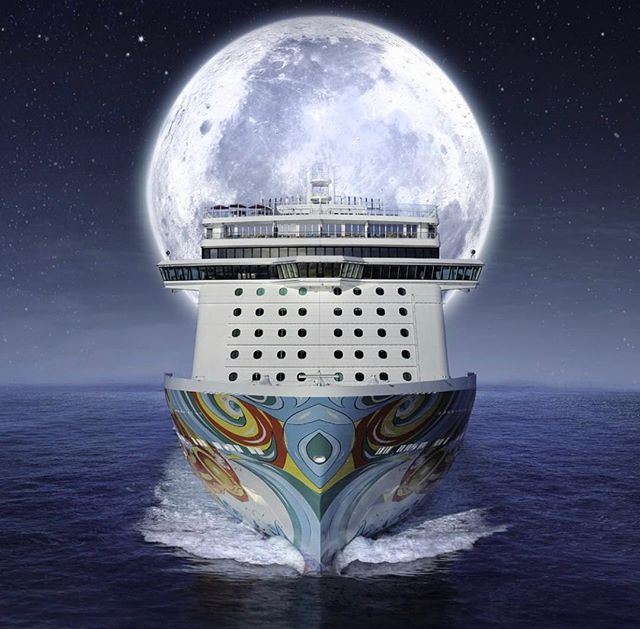 Happy Halloween Cruisers!! 🎃 👻 Have you ever been on a cruise during Halloween?