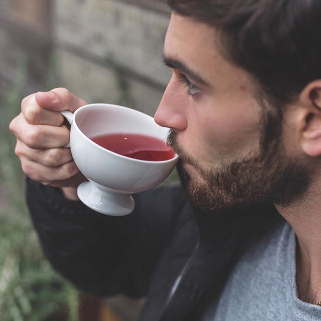 A sip a day keeps the doctor away 💁🏻‍♂️☕️ . . . #sip #tea #tealover #tealovers #ilovetea #teaholic #timefortea #teatime #funky #tealife #teaaddict #teaparty #teadrinker #cuppatea #cuppa #morningtea #manly #mendrinkteatoo