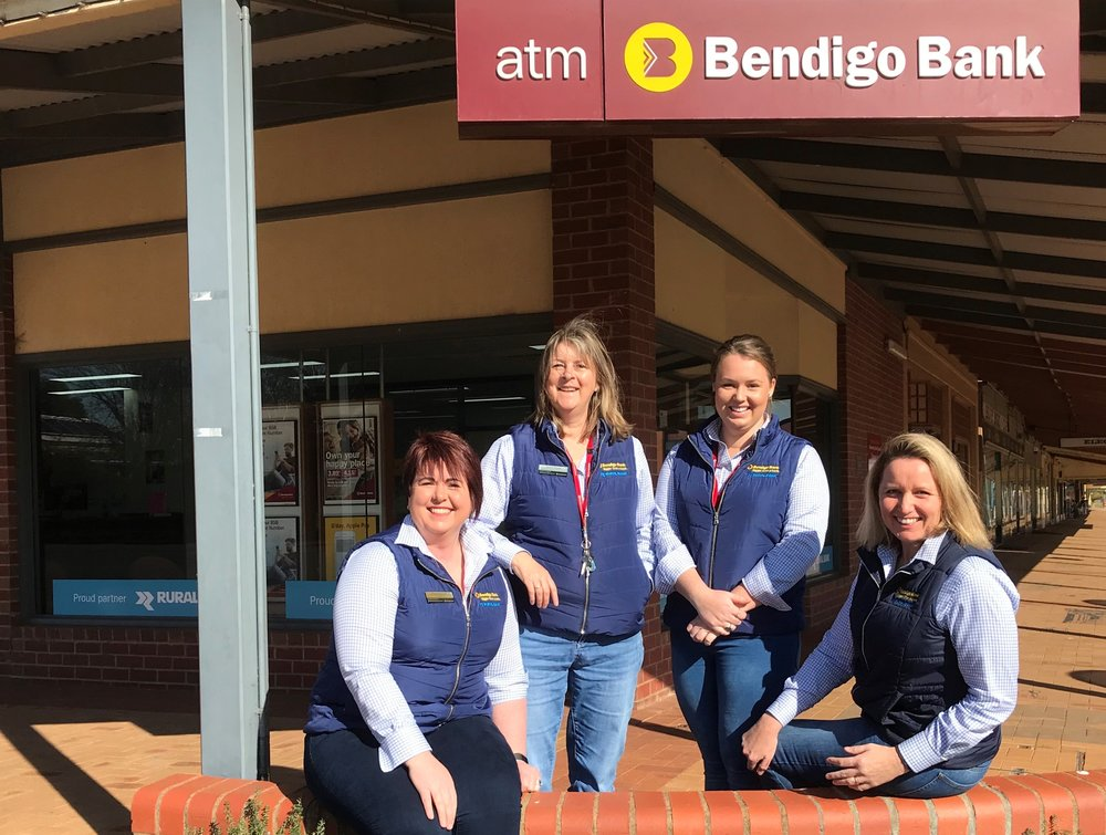 staff pic bendigo bank (002).jpg