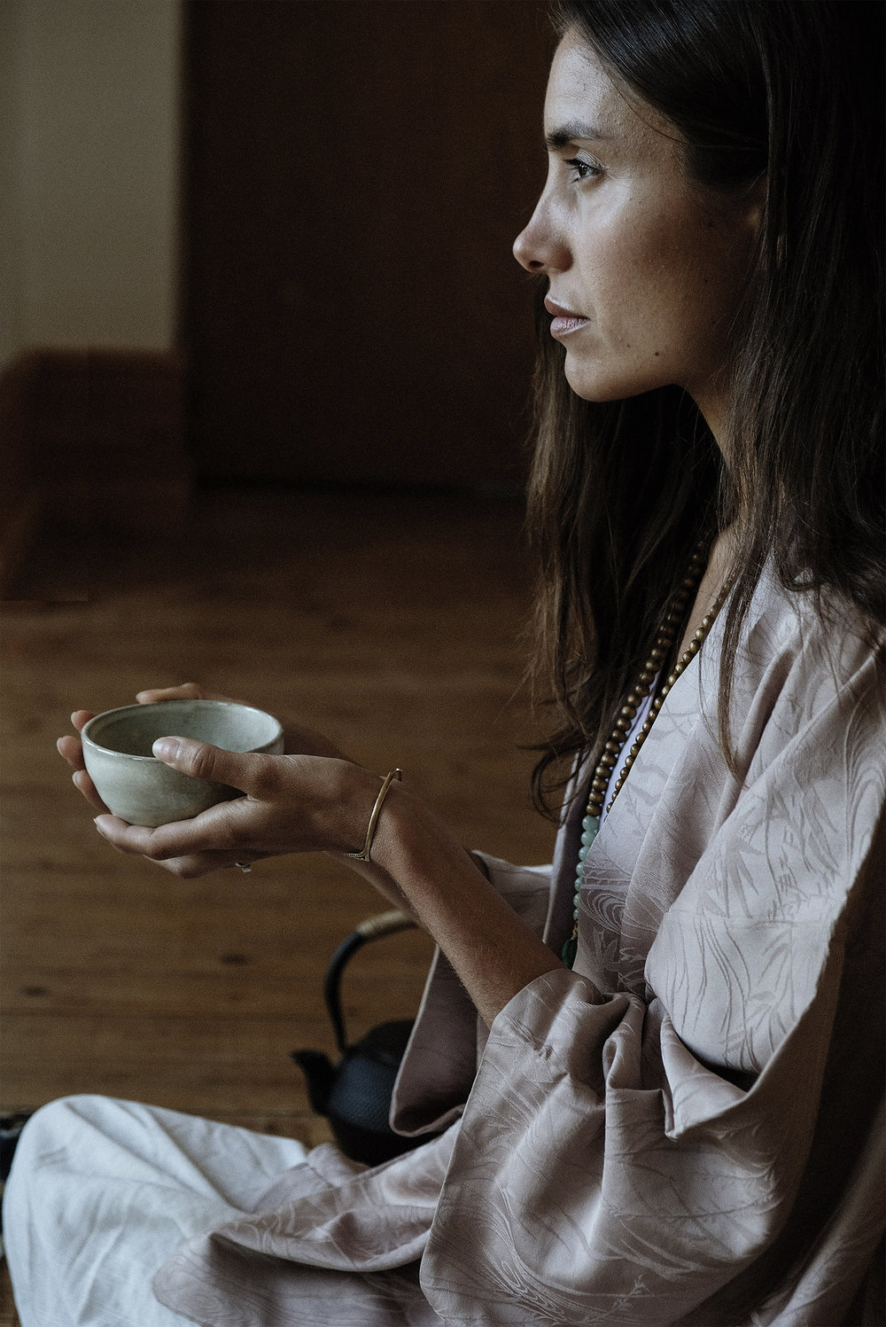 Christina Jade - Creating space through tea meditation - One Oneness, online magazine advocating conscious, aligned and fulfilled living.