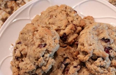 cinnamon oatmeal cookies.jpg