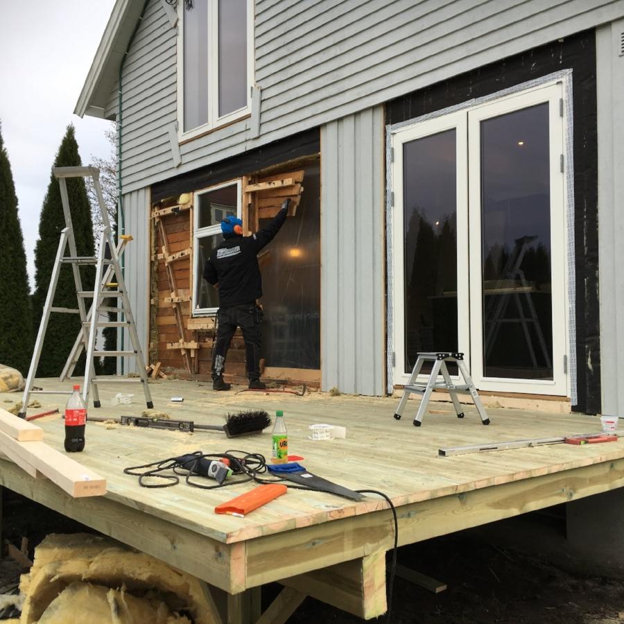 Riving av gammel fasade