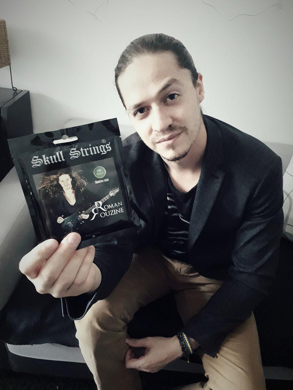 Roman Rouzine Skull Strings